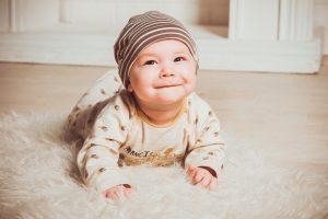 子育て中のママも旅行したい!赤ちゃんの泣き声や授乳を気にせず家族で旅する方法