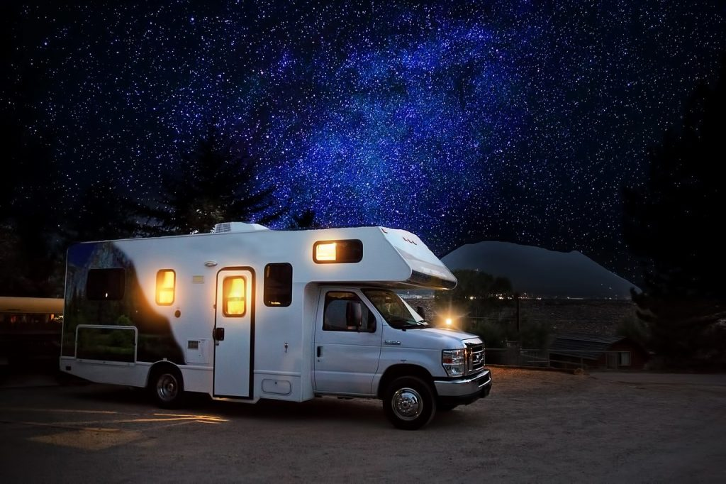天体観測にキャンピングカーがおすすめ理由